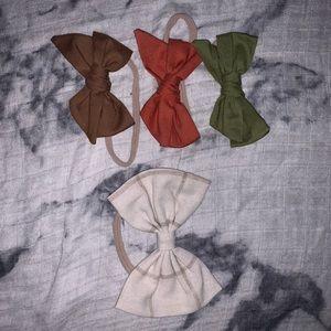 Set of 4 linen bows,nude nylon headband;0-6 months